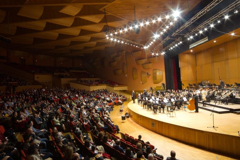 """Más de 1000 personas asisten al concierto solidario en el Palacio de la Ópera de A Coruña, a beneficio del programa """"Viaje hacia la Vida"""""""