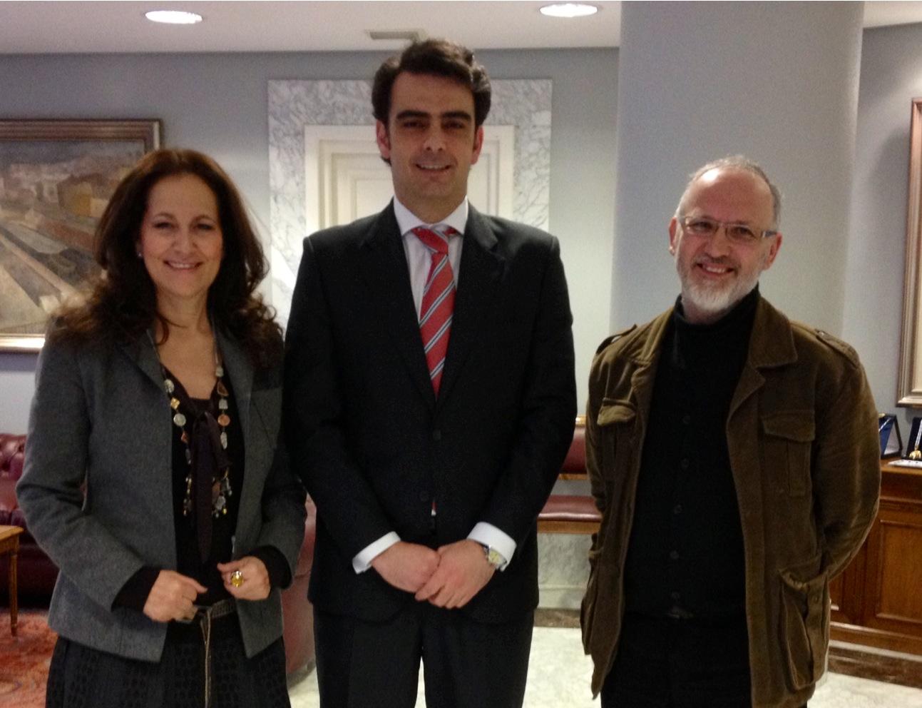 Reunión entre María Antonia Jiménez, Diego Calvo y Raúl Besada