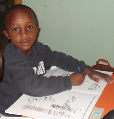 Viaje hacia la Vida. Abass, un niño mauritano de 5 años, operado con éxito de un problema maxilofacial gracias a la colaboración altruista del Hospital San Rafael y sus equipos médicos