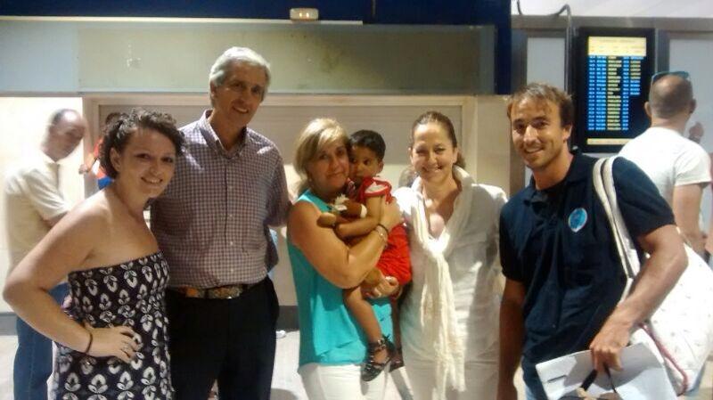 Radia, una niña marroquí de 4 años, llega a Córdoba para ser intervenida de una cardiopatía