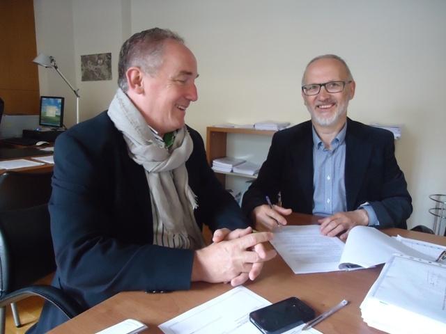 El Ayuntamiento de A Coruña renueva  el  convenio de colaboración con Tierra de hombres