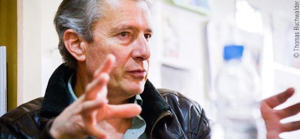 Carlos Royo, responsable del programa «Atenciones Médicas Especializadas»: la elección de un particular camino