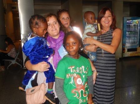 Llegan dos niñas y un niño a Málaga para ser intervenidos de la cardiopatía que padecen