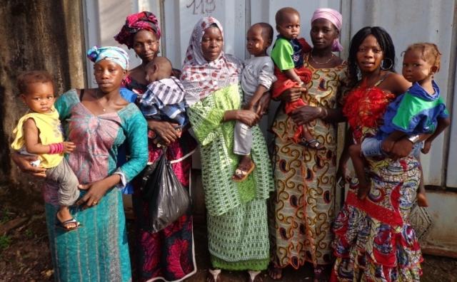 Tratamiento y prevención de la estenosis caústica de esófago en niños y niñas de Guinea Conakry