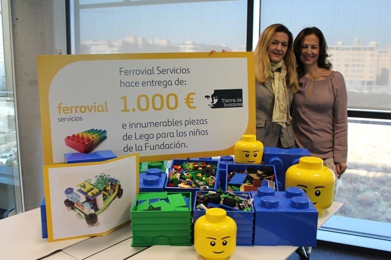 Directiv@s de Ferrovial donan 1000€ a Tierra de hombres junto a ciento de piezas de Lego
