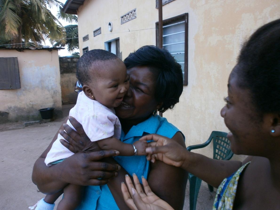 Togo: la importancia de las familias de acogida en niñas y niños maltratados