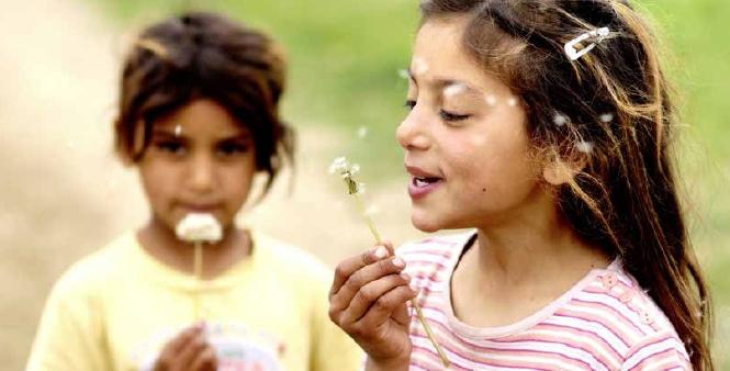 Seis documentos temáticos para promover los derechos de los niños y niñas migrantes