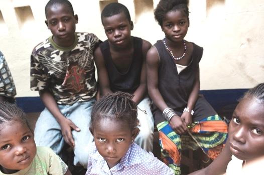 El progreso alcanzado en desarrollo humano sigue dejando a millones de personas atrás: Informe del PNUD