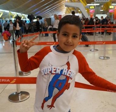 Rayane vuelve a casa con el corazón sano gracias al programa «Viaje hacia la Vida»