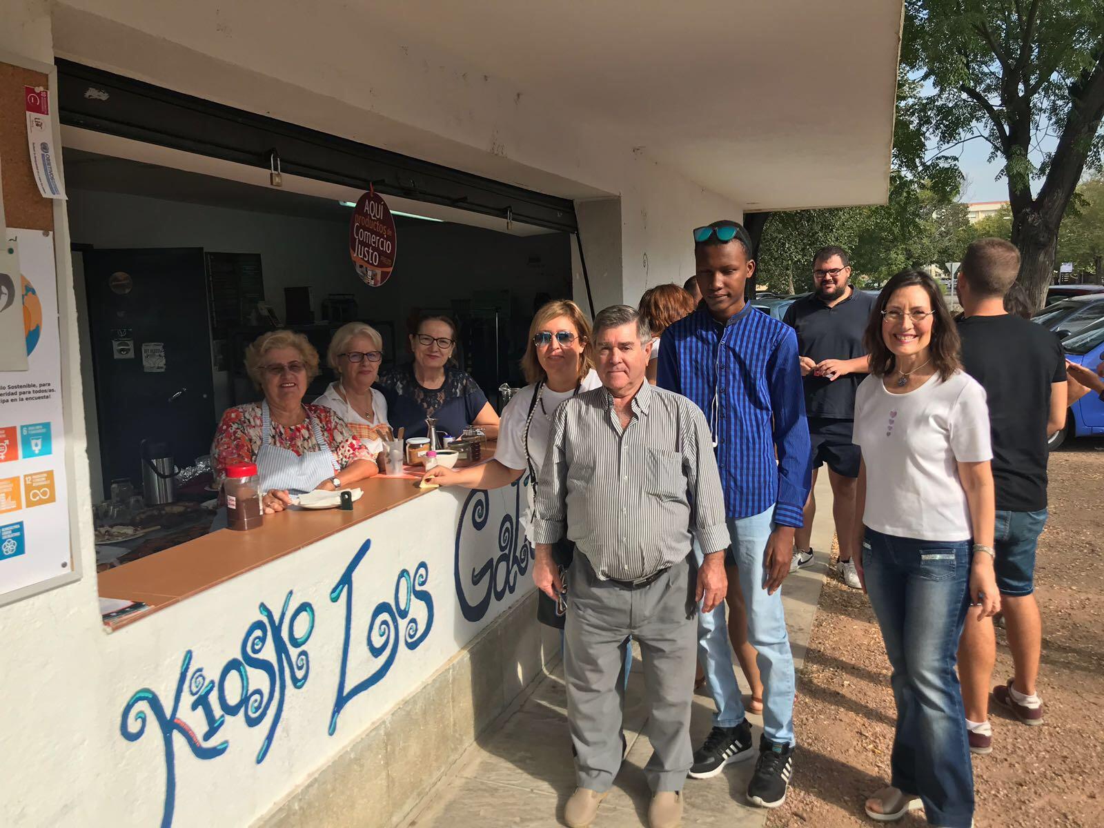 fotnot cordoba kiosko desayuno solidario ayuda infancia