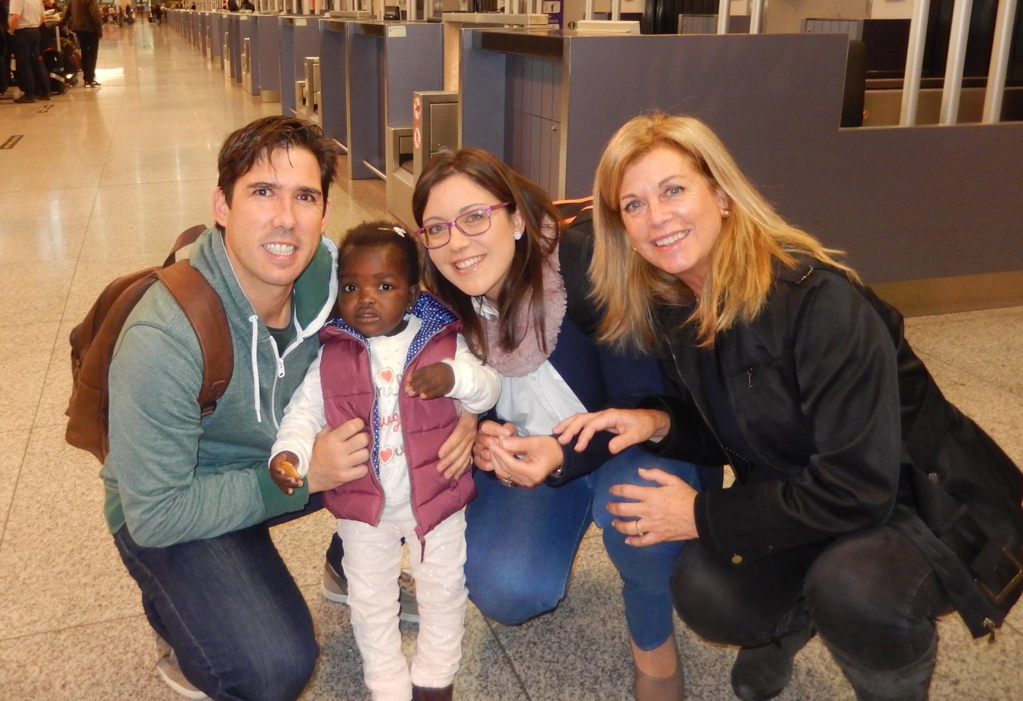 Amy, Dede y Ana vuelven a casa