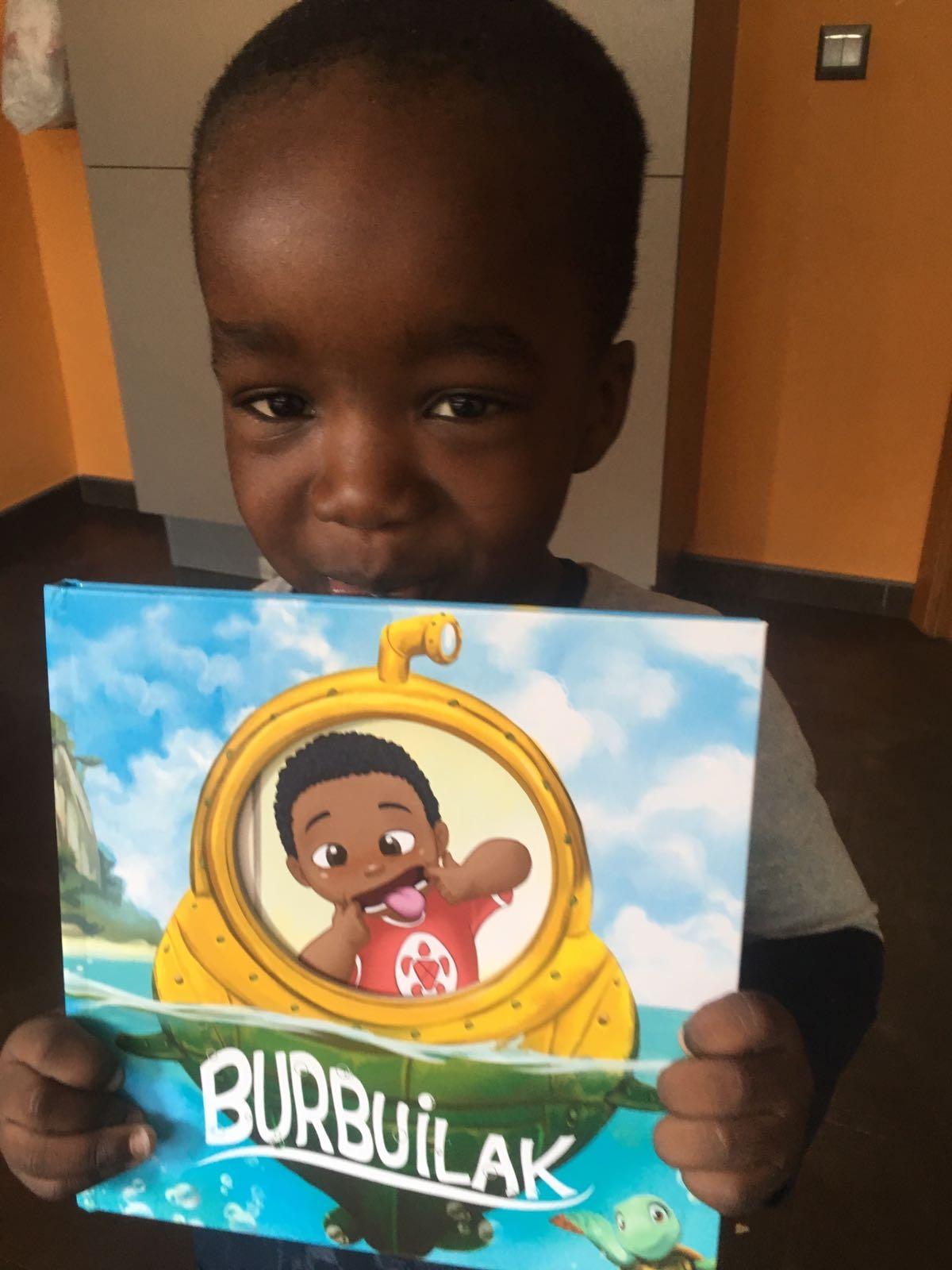 Los pequeños de Viaje hacia la Vida ya disfrutan de sus cuentos personalizados de Mumablue
