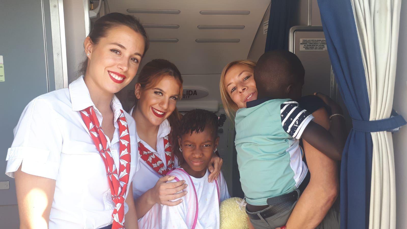 fotnot_vhv_cordona_sekou_anake_avion_ayuda_infancia