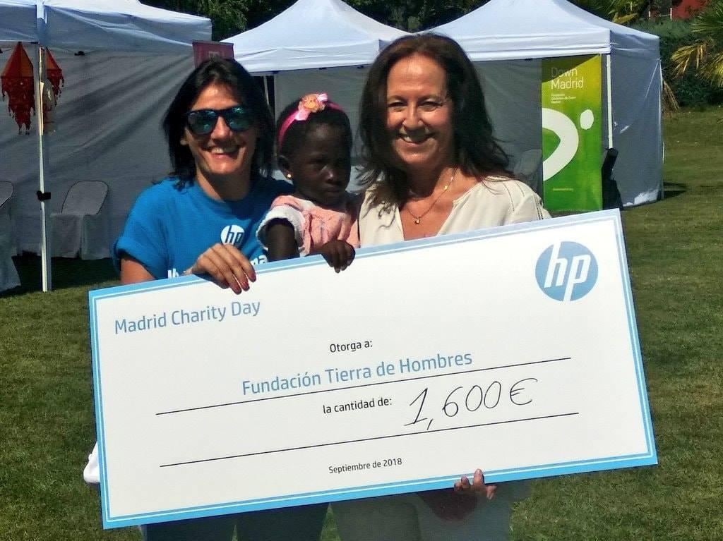 fotnot madrid charityday cheque ayuda infancia