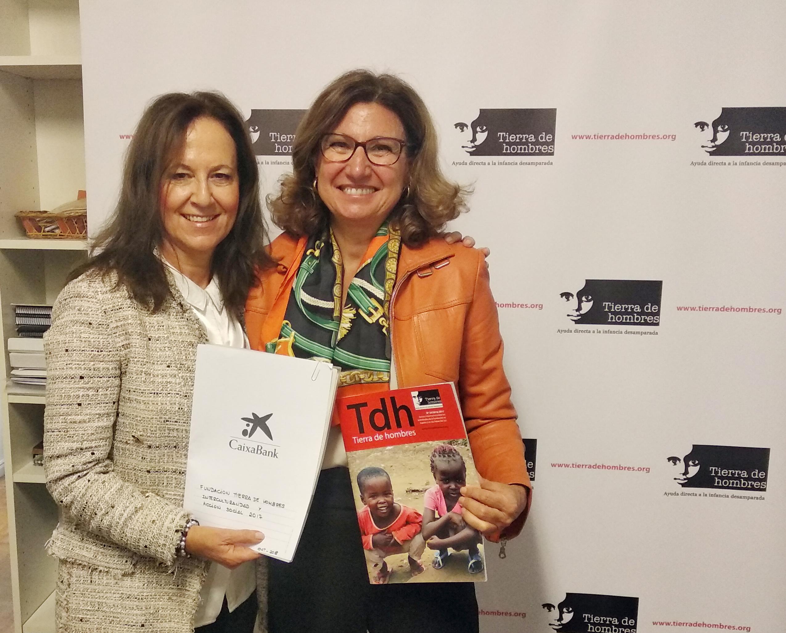 fotnot firma convenio caixa refugio seguro ayuda infancia