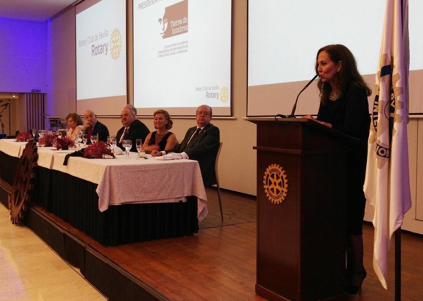 Más de 300 personas apoyan a Tierra de hombres en la cena solidaria de Rotary Club de Sevilla