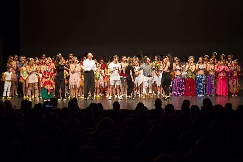 Gala Solidaria de Danza a beneficio de Tierra de hombres Galicia por la Escuela Danza 10 Studio