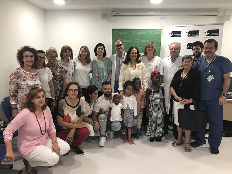El Hospital Materno Infantil interviene a más de 80 menores de países en vías de desarrollo con la colaboración de la Fundación Tierra de Hombres