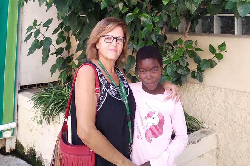 La pequeña Kekeli regresa a Togo tras ser tratada en el Materno Infantil de Málaga