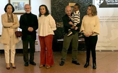 Inauguración de la Exposición colectiva a beneficio de Tierra de hombres en Casino Ferrolano Tenis Club