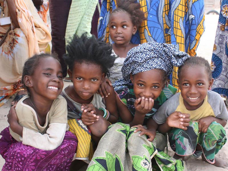 Cobertura de las necesidades básicas de salud e higiene de mujeres, niñas y niños, en los distritos vulnerables de Nuakchot, en Mauritania