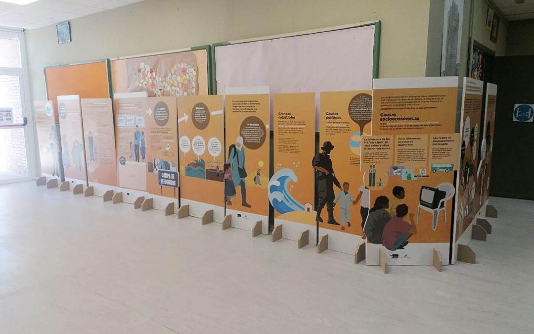 EL C.E.I.P. El Raso de Moralzarzal acoge la exposición «Destino Incierto» orientada a la protección de la niñez en movimiento